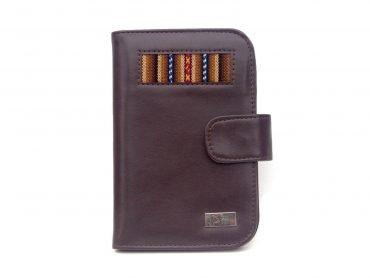 Porta pasaporte en Biocuero color marrón